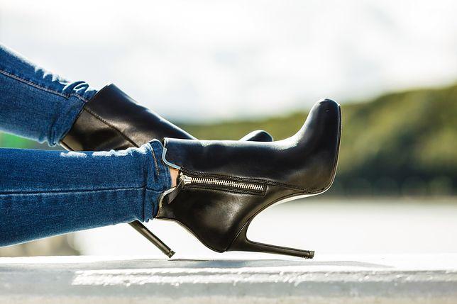 Skórzane botki na szpilce z suwakiem z boku, skutecznie wydłużą nogi