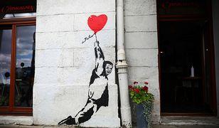 Kraków. Nie ma już muralu z mężczyzną przypominającym Jarosława Kaczyńskiego