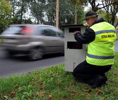 Polskie miasta już nie chcą straży miejskiej. Bez fotoradarów się nie opłaca