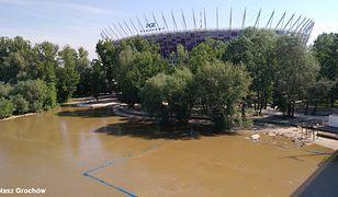 Fala kulminacyjna dotarła do Warszawy. Woda zalewa stołeczne plaże