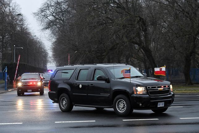 Błędna flaga na samochodzie wiceprezydenta Stanów Zjednocoznych