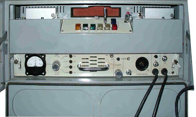 Polskie urządzenie szyfrujące DUDEK (wersja dla Stasi, w NRD znana pod nazwą T-353). Źródło: http://scz.bplaced.net/t353.html)