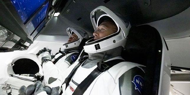 Historyczna misja SpaceX i NASA zbliża się do końca. Astronauci wracają na Ziemię