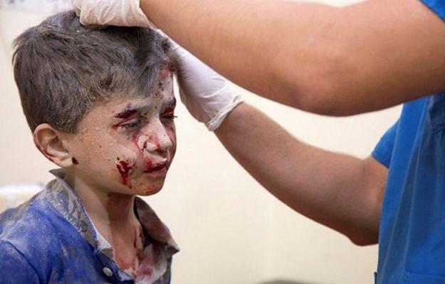 Rosyjskie i syryjskie samoloty wciąż bombardują dzielnice mieszkaniowe Aleppo. Kerry: Rosja przymyka oko na to, że Asad prowadzi wojnę
