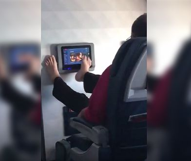 Oto przykład, jak nie powinniśmy zachowywać się w samolocie