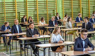 Koronawirus w Polsce i na świecie. MEN podało szczegółowe zasady dotyczące matury i egzaminów (Relacja na żywo 15 maja)
