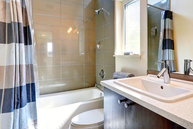 Jak uniknąć wilgoci w łazience? Nowoczesna izolacja przeciwwilgociowa