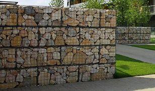 Modna architektura ogrodu: ogrodzenie gabionowe