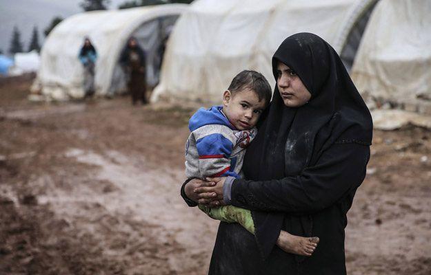 KE chce ukarać kraje, które nie przyjmą uchodźców. Daje im jednak czas