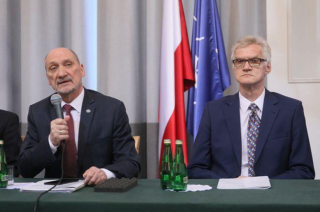 """Podkomisja pod przewodnictwem Antoniego Macierewicza """"anuluje raport Millera"""" z siedmiu powodów"""