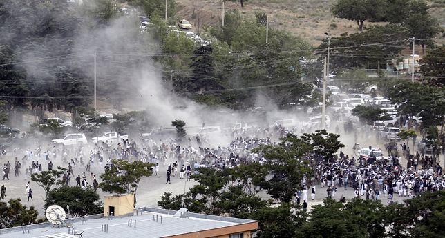 Kolejny zamach w Afganistanie. Seria wybuchów w czasie pogrzebu