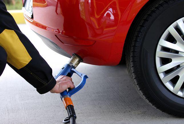 Porównujemy: korzyści płynące z kupna używanego auta z instalacją LPG oraz kupna auta i montażu instalacji we własnym zakresie