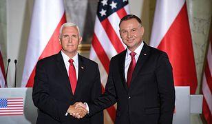 Mike Pence wyświadczył w Warszawie dużą przysługę obozowi rządzącemu