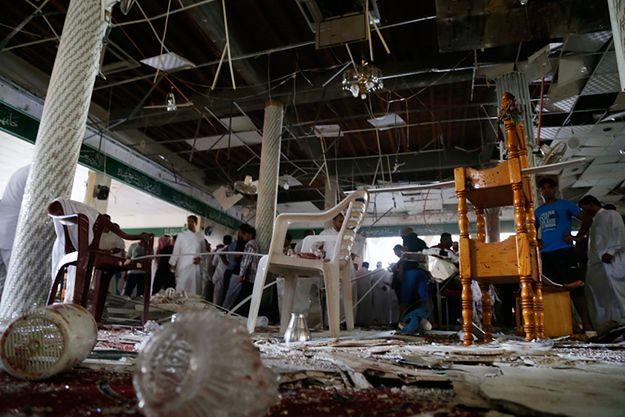 Meczet w Al-Kadih po zamachu