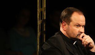 Ks. Krzysztof Niedałtowski o podziałach w społeczeństwie i roli Kościoła