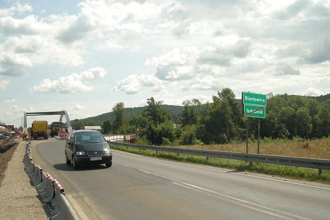 DK52 to droga krajowa położona w południowej Polsce