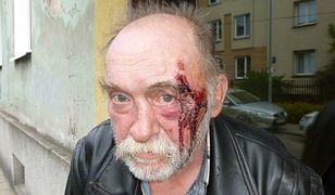 Katarzyna Gołub zeznała: Marek Orłowski został pobity, odebrano mu klucze do mieszkania, a jego rzeczy zostały wyrzucone do śmietnika. Noc po pozbawieniu mieszkania spędził w noclegowni, a potem mieszkał na ulicy