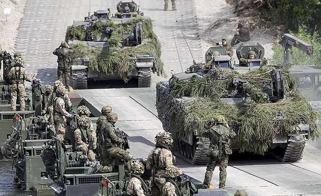 Państwa UE wydają rocznie na obronę 227 mld euro, czyli połowę tego, co USA