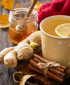 Rozgrzewająca herbata. Jak podać jesienny napój na chłodne wieczory?