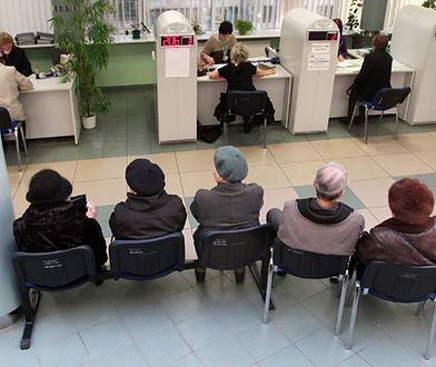 Na podstawie nowych przepisów, obniżających wiek emerytalny, ZUS wydał już ponad 283 tys. decyzji emerytalnych