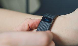 Pedometr to urządzenie pozwalające określić, ile kroków dziennie wykonujemy