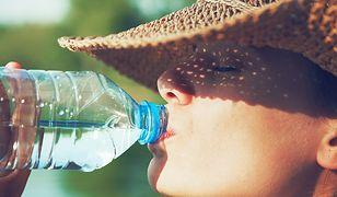 Woda z kranu lepsza od butelkowanej?