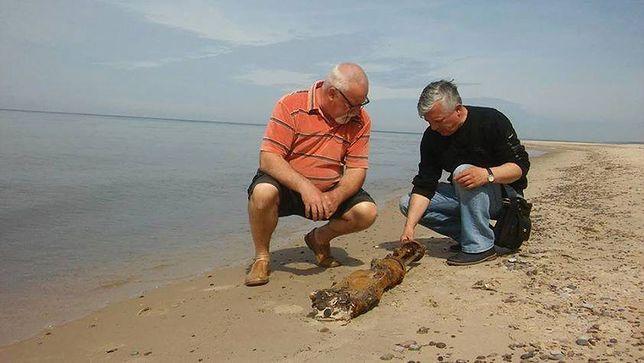 Zachodniopomorskie: Bałtyk wyrzucił na brzeg karabin z czasów II wojny światowej