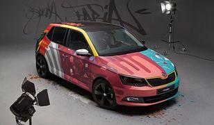 Skoda Fabia jako pokryte graffiti dzieło sztuki