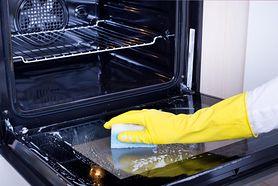 Piekarnik będzie lśnił jak nigdy. Prosta metoda