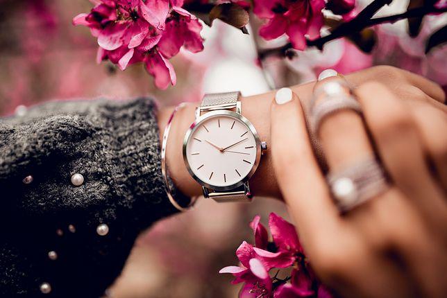 Stylowe zegarki do 800 zł. Idealne dla niej