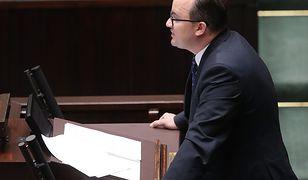 Rzecznik Praw Obywatelskich mówił ważne rzeczy do sali, na której było 11 posłów