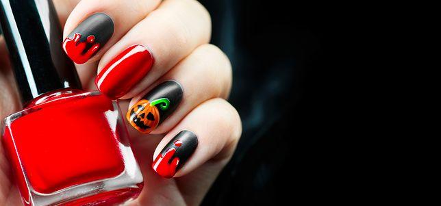 Paznokcie na halloween. Najmodniejszy mroczny manicure
