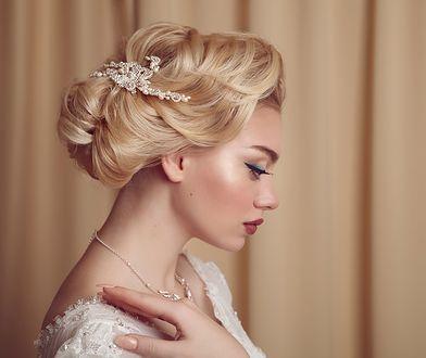 Dodatki do fryzury ślubnej potrafią podkreślić urodę panny młodej