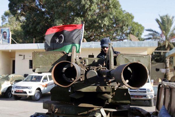 Libia wciąż w chaosie - nadal nie udało się zapanować nad zbrojnymi milicjami