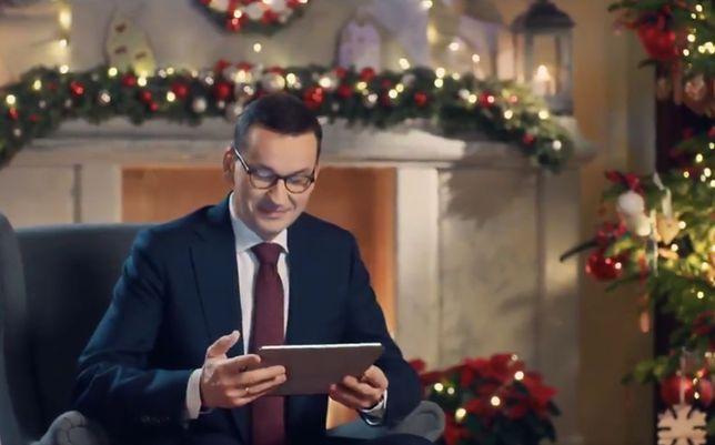 Wzruszony premier słucha życzeń od Polaków