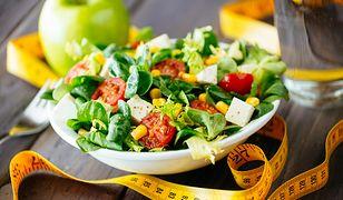 Dieta 1300 kcal jest niskokaloryczną dietą redukcyjną.