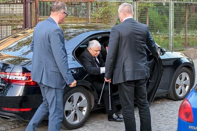 Jarosław Kaczyński miał ostatnio problemy z kolanem