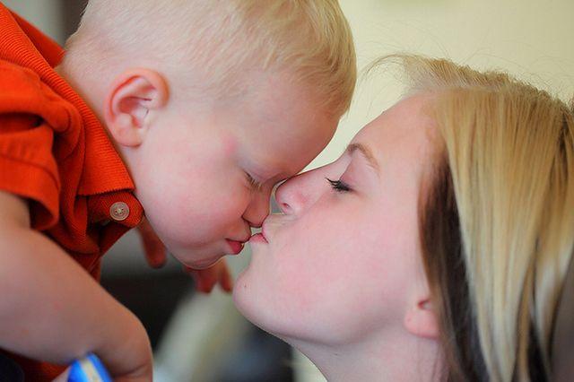 Dwulatek z mamą