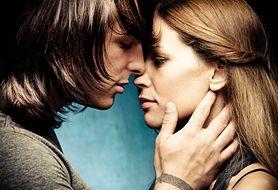 """""""Kocham Cię!"""" - kto pierwszy wyznaje miłość w związku? W 70% są to..."""