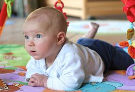 Pomóż niemowlakowi rozwijać zmysły - podpowiadamy, jak je stymulować