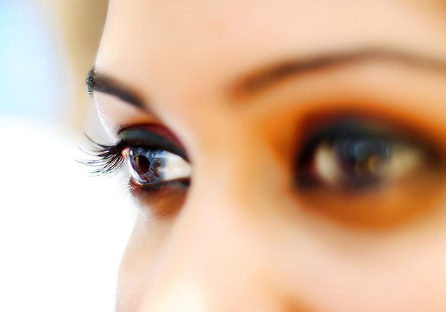 Ciemny makijaż oczu