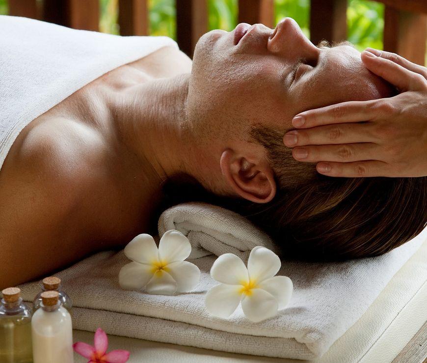 Wykonanie masaży głowy