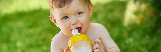 Dlaczego warto podawać dziecku mleko po 1. roku życia?