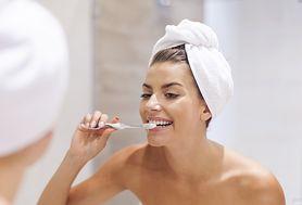 Codzienna higiena jamy ustnej – jesteś pewna, że robisz to prawidłowo?