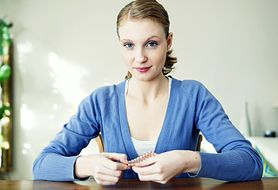 Zobacz, w jaki sposób antykoncepcja hormonalna wpływa na twój pokarm