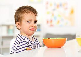 Rosół, owoce i warzywa, ale też spaghetti i ciasteczka - dania dla małego chorego