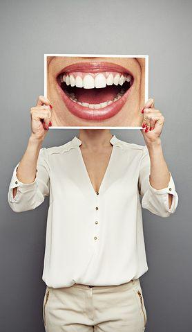 Piękny uśmiech - dowiedz się, jak możesz wybielić zęby