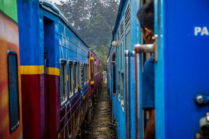 Indyjska szkoła w pociągu