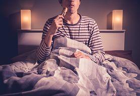 Pora jedzenia wpływa na jakość snu!