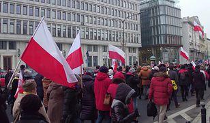 Wstydzimy się bycia Polakami, najbardziej z powodu działalności rządzących